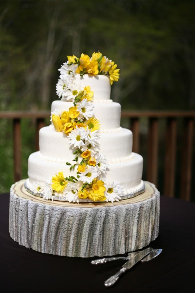 wedding cake stand prop